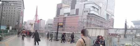大阪駅とその周辺の改装状況