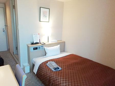松江アーバンホテル(ベッド方面)